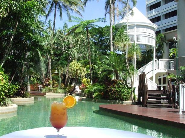 About Rydges Esplanade Resort Cairns