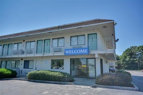 Motel 9 Meridian Mississippi