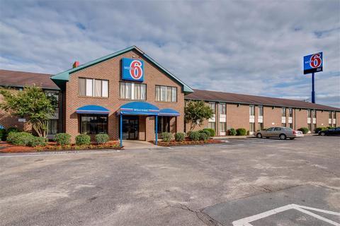Motel 6 Roanoke Rapids