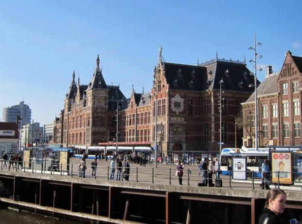 Hotel neutraal amsterdam compare deals for Hotel centrali ad amsterdam