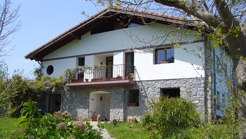 Basque country house near the sea Excellent views