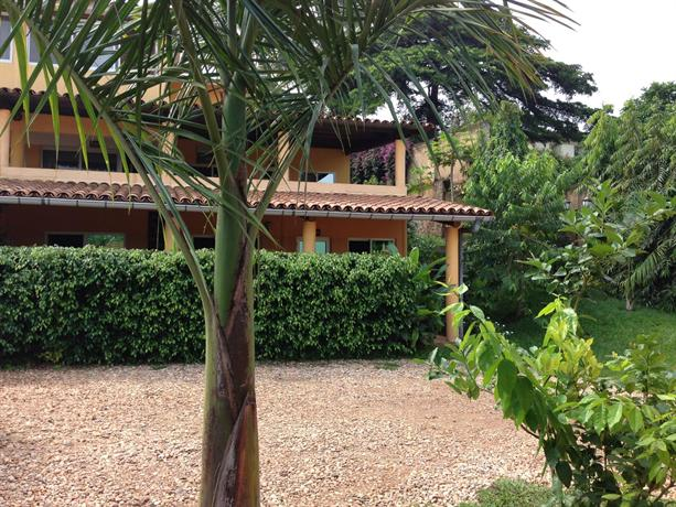 Aparthotel jardin tropical bujumbura compare deals for Jardin tropical