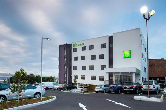 Ibis Styles The Entrance