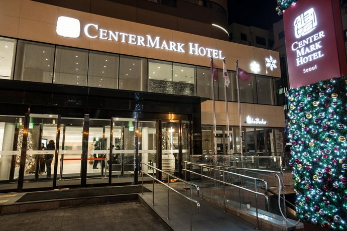 About Center Mark Hotel