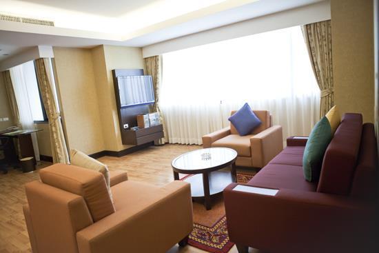 Rembrandt Towers Serviced Apartments Bangkok Compare Deals
