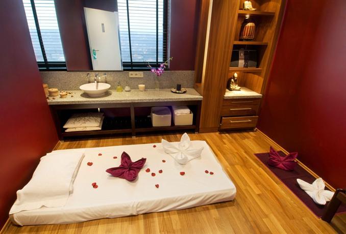 Corinthia hotel prague compare deals for Apollo hotel prague