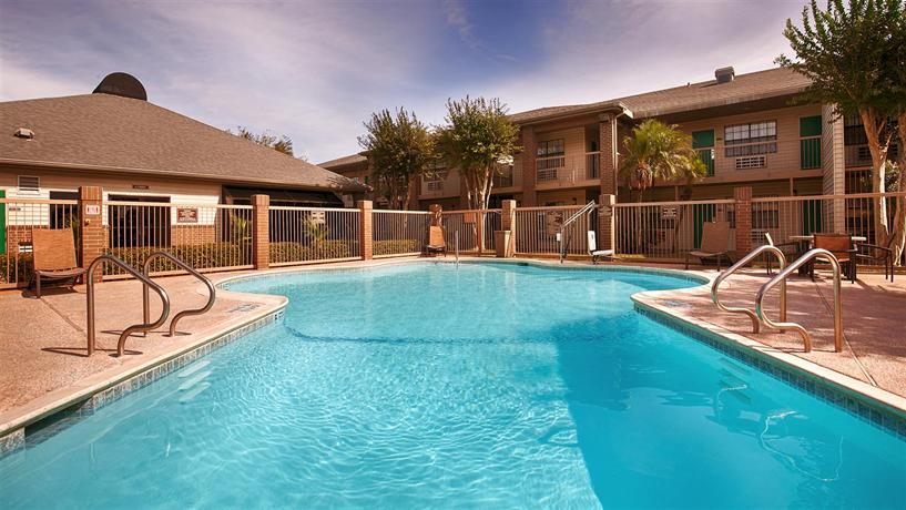 best western rose garden inn suites mcallen compare deals - Rose Garden Inn