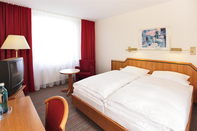 H hotel solingen compare deals for Hotel in solingen