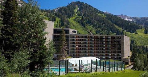 Cliff Lodge & Spa