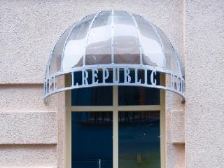 1 Republic Hotel
