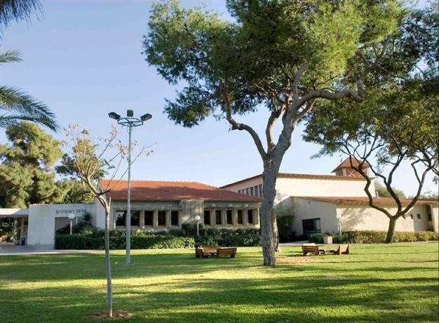 About Kibbutz Shefayim Hotel