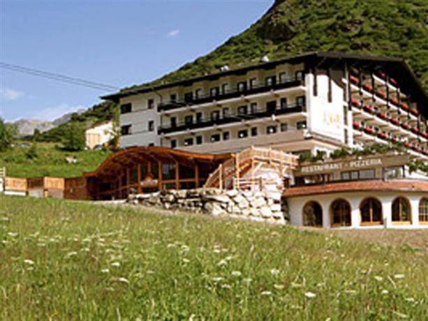 Hotel Almhof Galtur