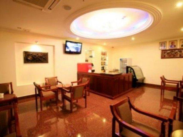 Cardamom Hotel Phnom Penh Compare Deals