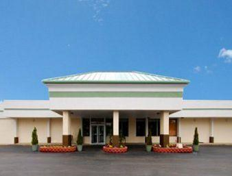 Austinburg Inn & Suites