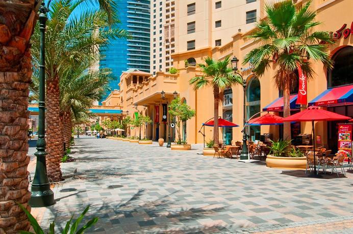 comparison between jumeirah hilton Superbly located along 'the walk', one of dubai's fabulous shopping arcades,  hilton dubai the walk is a luxurious and stylish dubai resort available with the.