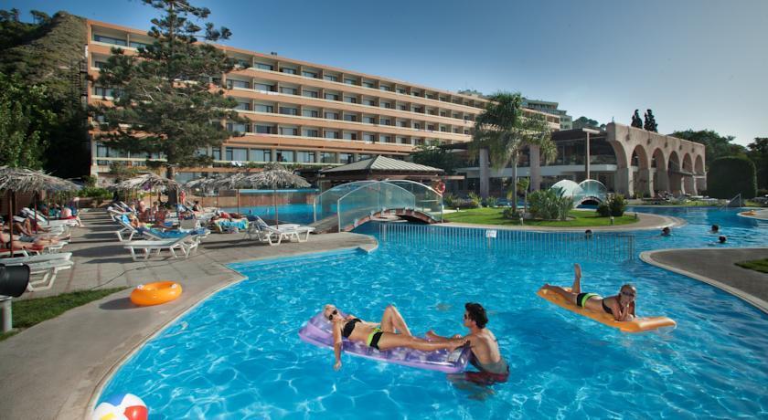 Hotel oceanis ialysos ixi comparez les offres for Piscine oceanis