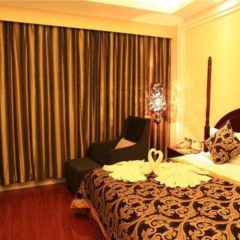 Yunnan Kingworld International Hotel, Kunming  Compare Deals. Hotel SeePark. Vila Steaua Nordului Hotel. Swissotel Dresden. B4 Bologna Tower Hotel. Gilmer Apartment Hotel. AR Almerimar Hotel. Hotel Entremares. Aberdeen Youth Hostel