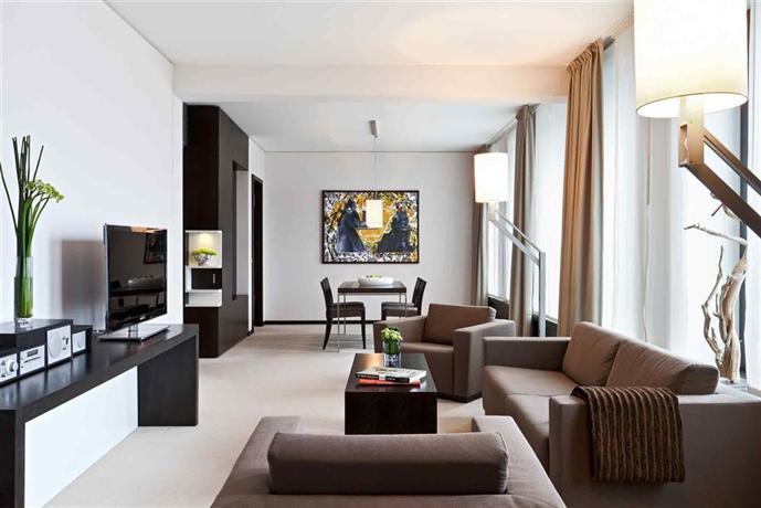 מלון סופיטל ברלין קודאם צילום של הוטלס קומביינד - למטייל (3)