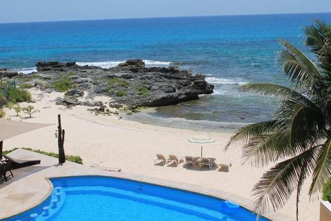 About Playa La Media Luna Hotel