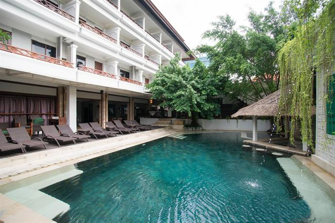 Maharani beach hotel kuta compare deals for Kuta beach hotel