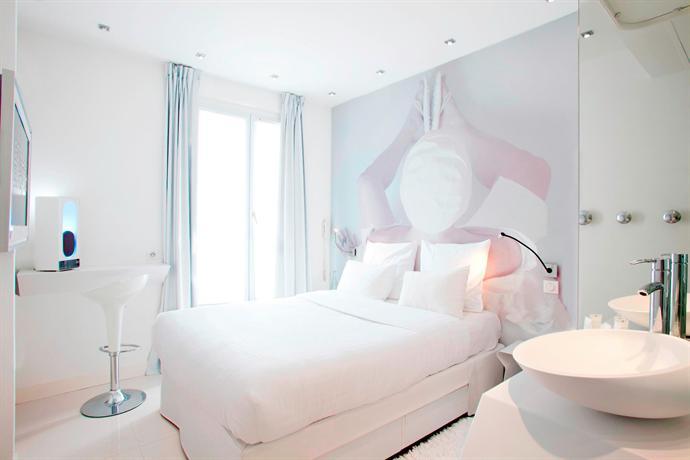 Blc design hotel paris compare deals for Blc hotel paris