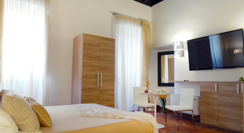 Navona luxury apartments rome compare deals for Hotel luxury navona