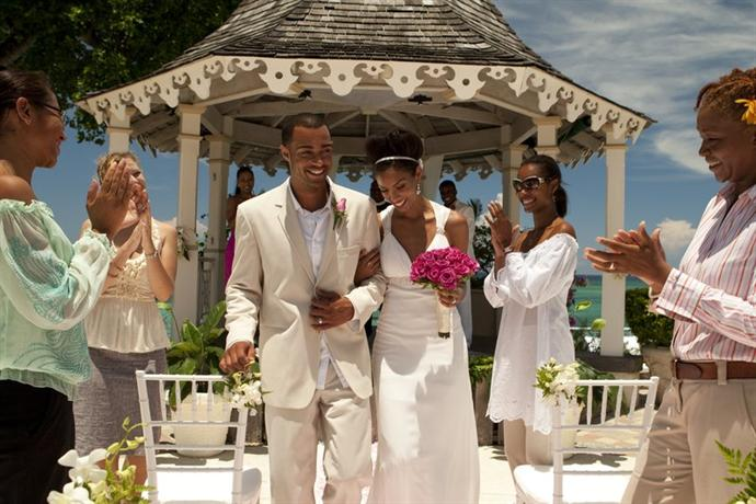 Sandals royal plantation compare hotels in ocho rios for 15 royal terrace day spa