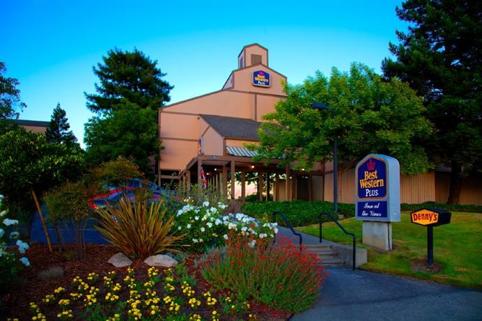 Best western plus inn at the vines compare hotels in napa for Jacuzzi exterior uruguay