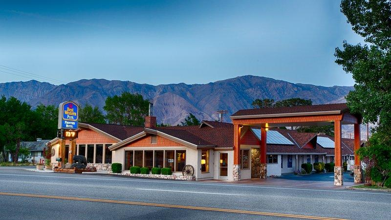 Lone Pine Hotels Motels