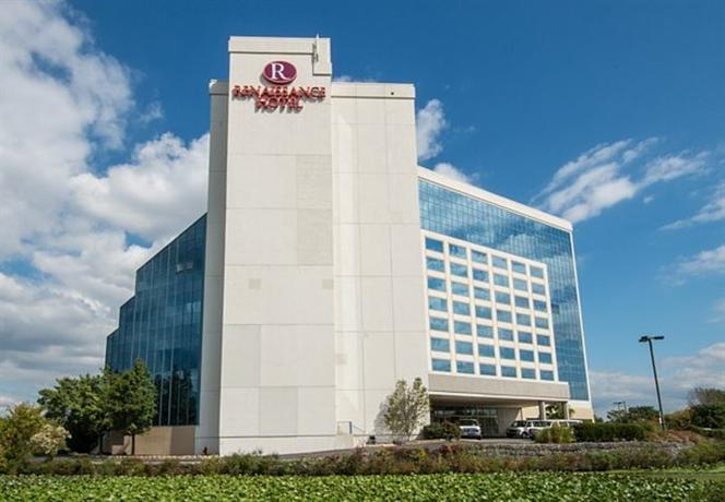 Renaissance Philadelphia Airport Hotel A Marriott Luxury & Lifes