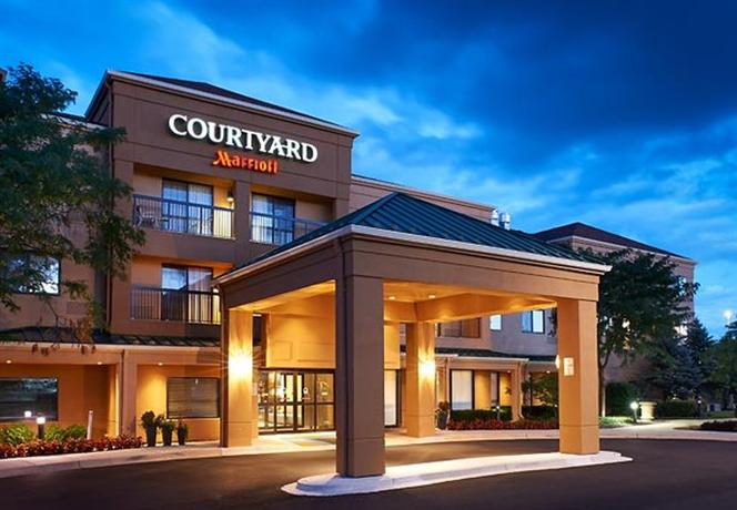 Courtyard by Marriott Chicago West Dundee