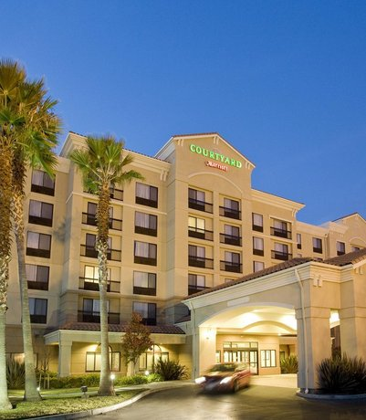 Courtyard by Marriott Newark Silicon Valley