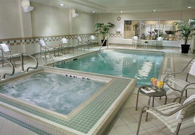 Toronto Airport Hotels With Jacuzzi