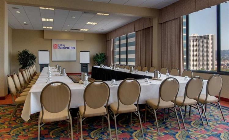 Hilton Garden Inn San Francisco Oakland Bay Bridge Emeryville Compare Deals