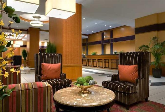 Hilton Garden Inn Chicago Downtown Magnificent Mile Compare Deals