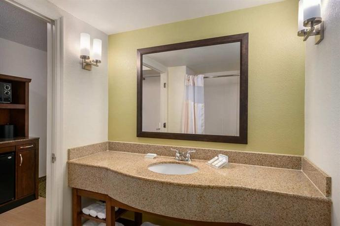 Hilton Garden Inn Orlando East Ucf Compare Deals