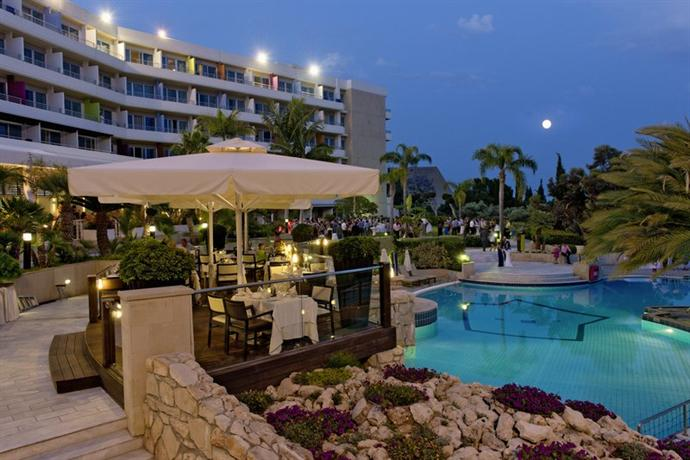 Mediterranean Beach Hotel, Limassol  Compare Deals. Palace Hotel Vasto. Chester Town House. Holiday Inn Express Tianjin City Center. Bunchrew House Hotel