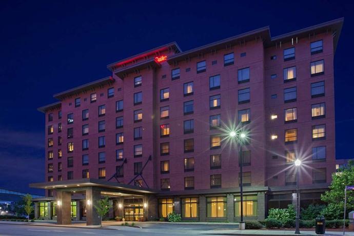 Hampton Inn & Suites Pittsburgh - Downtown