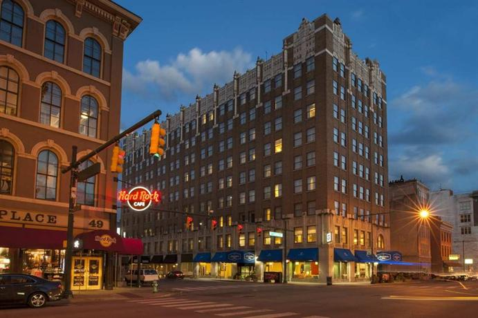 Hampton Inn Indianapolis Downtown Across from Circle Centre