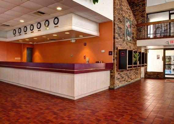 Econo Lodge Inn & Suites Alexandria