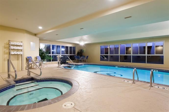 Comfort Suites Central / I-44