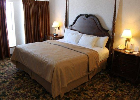 Crown Choice Inn And Suites Hotel Of Mackinaw City