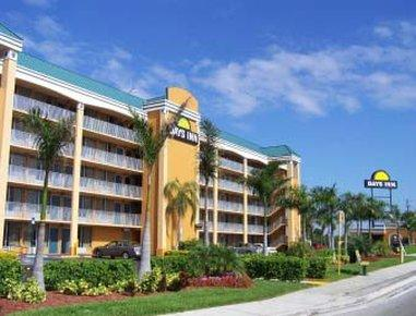 Days Inn by Wyndham Fort Lauderdale Oakland Park Airport N
