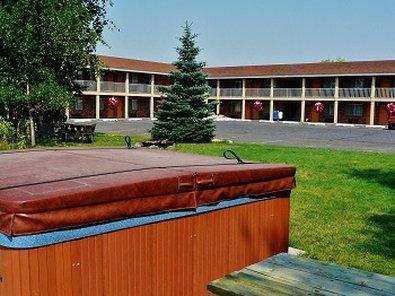 GuestHouse Inn & Suites St Anthony Henry Fork's Inn
