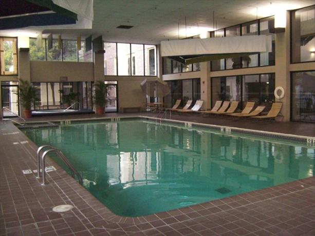 About Holyoke Holiday Inn Conference Center