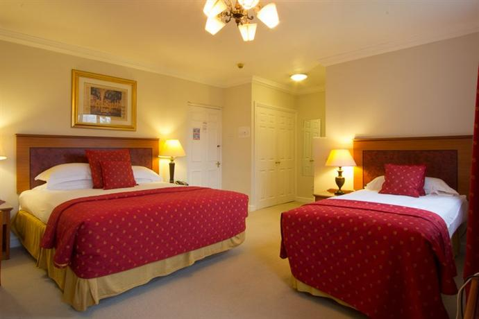 Stanton St Quintin Hotel