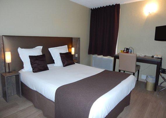 inter hotel orleans nord saran compare deals. Black Bedroom Furniture Sets. Home Design Ideas