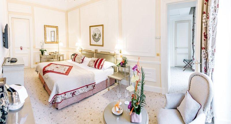 Hotel du palais biarritz compare deals for Prix chambre hotel du palais biarritz
