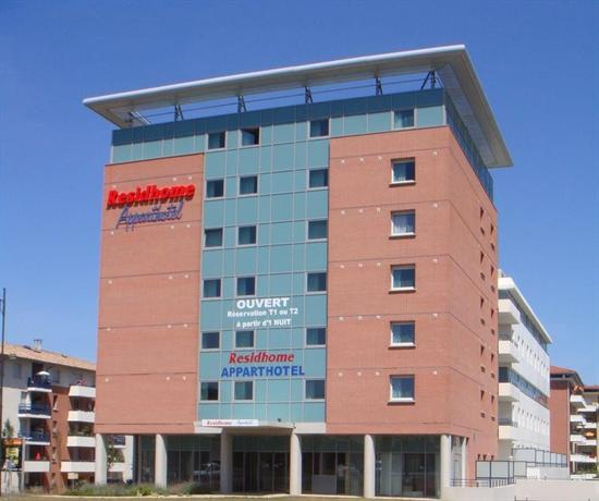 Residhome appart hotel occitania toulouse compare deals for Appart hotel toulouse