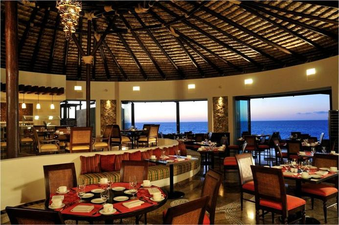 Grand solmar land 39 s end resort and spa cabo san lucas los for Restaurante la roca